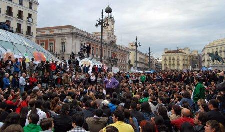 « Non à n'importe quel État, démocratique ou pas ! » Agustín García Calvo à la Puerta del Sol  agustin_garcia_calvo_mayo_2011_madrid_puerta_del_sol-557f6